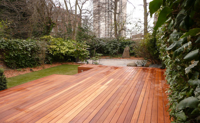 North London gardeners decking design